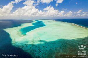 Bahía de Hanifaru desde el aire